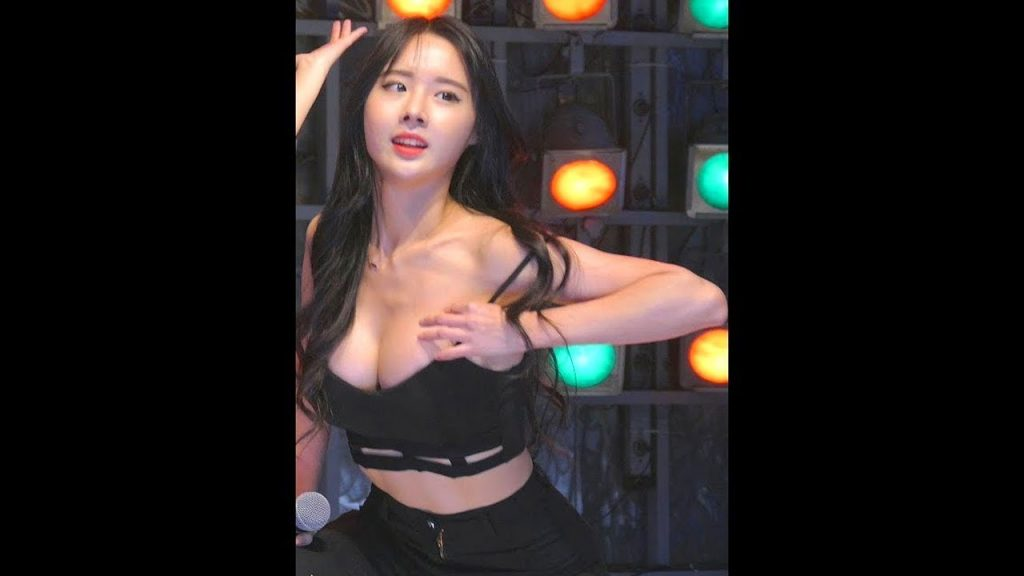 Beautiful Girl Korean Dance  Hot Fancam